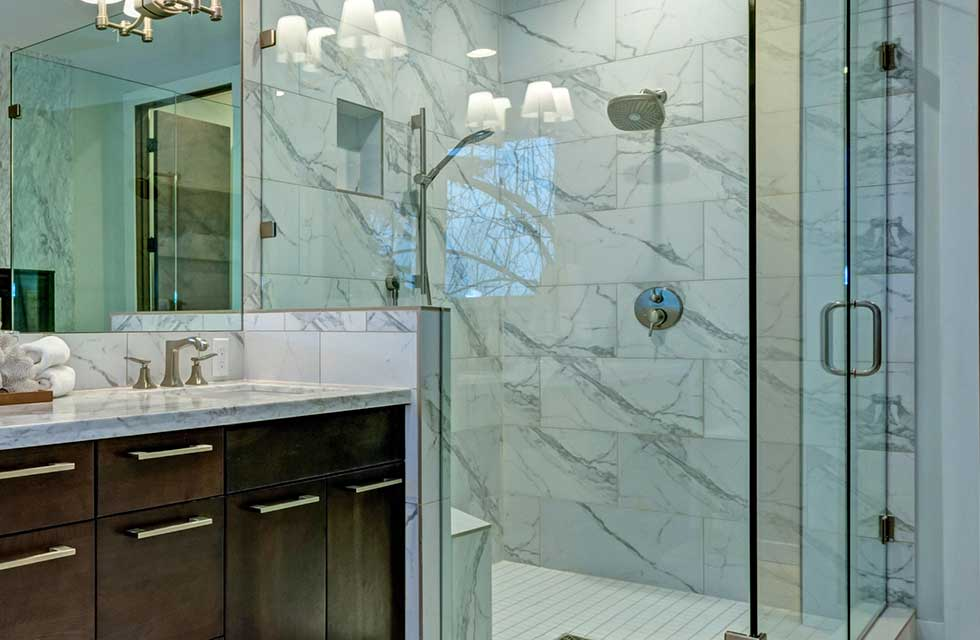Standard Glass installs frameless showers in the New Orleans area.